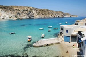 Read more about the article Milos: Unique stays at a fishermans house