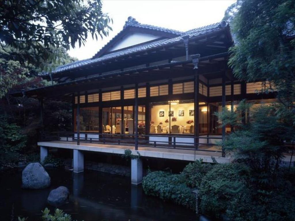 Best The First Trip to Japan Guide Stay at a ryokan